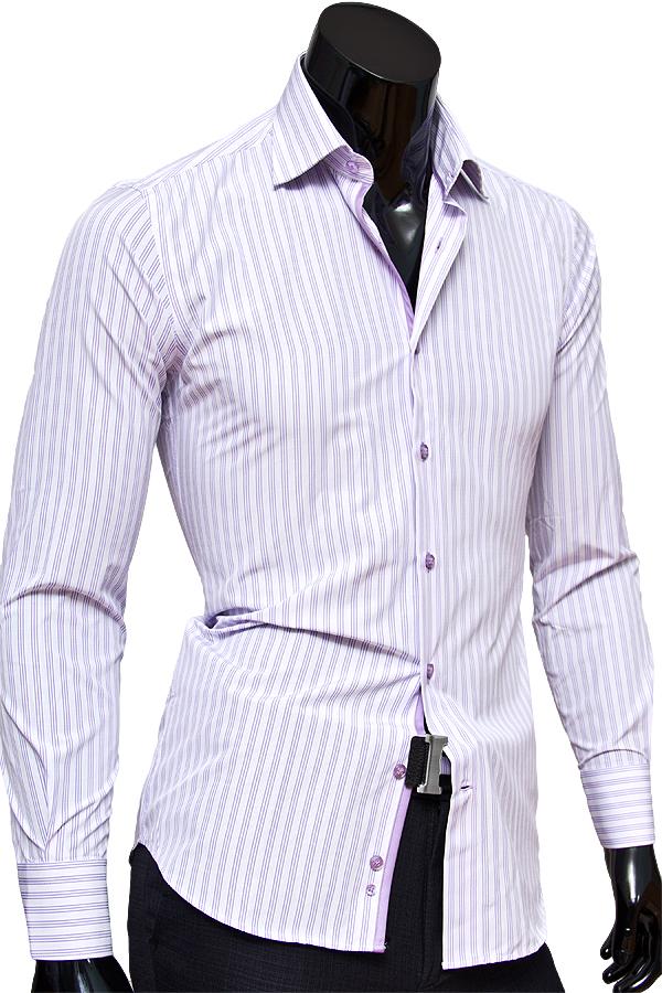 Белая приталенная мужская рубашка в сиреневую полоску